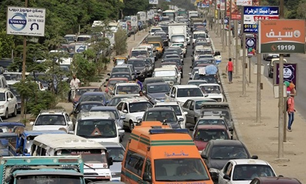 Motorists stuck in a traffic jam on the outskirts of Cairo (Photo: Reuters)