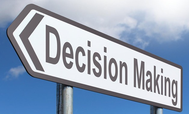 Decision Making Courtesy of Nick Youngson CC BY-SA 3.0 Alpha Stock Images