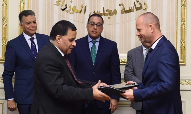 Prime Minister Mostafa Madbouly signed on Tuesday a supply and maintenance contract with Austria's Plasser & Theurer Company-Ministry of Transportation