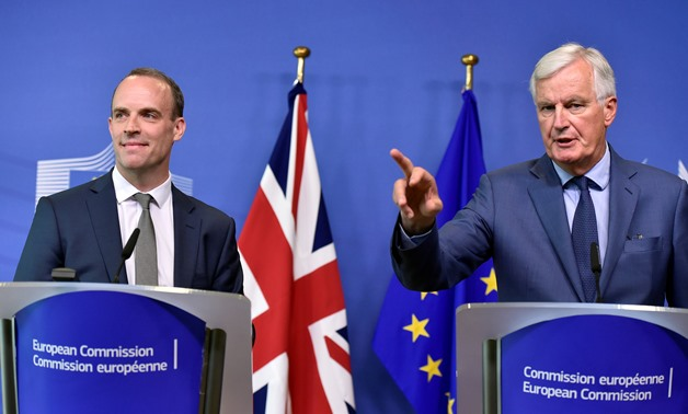 Britain's Secretary of State for Exiting the European Union, Dominic Raab and European Union's chief Brexit negotiator, Michel Barnier, brief the media after a meeting at the EU Commission headquarters in Brussels, Belgium August 31, 2018. REUTERS/Eric Vi
