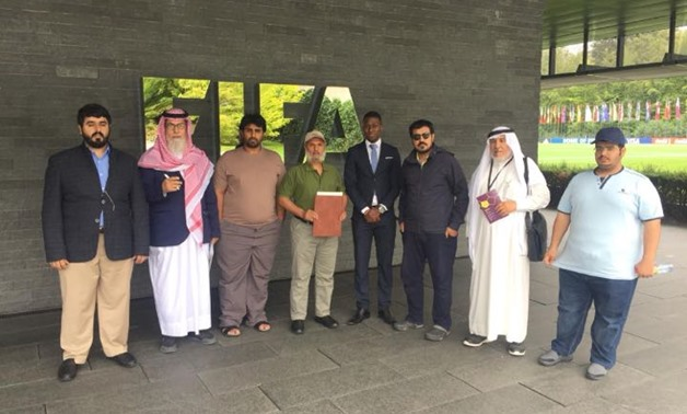A delegation from Al-Ghufran tribe lodges complaint to FIFA President on Qatari regime's human rights violations. - Egypt Today