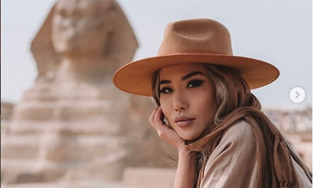 Photo of American blogger in the Giza Plateau on Instagram Eugenie Grey - @feralcreature