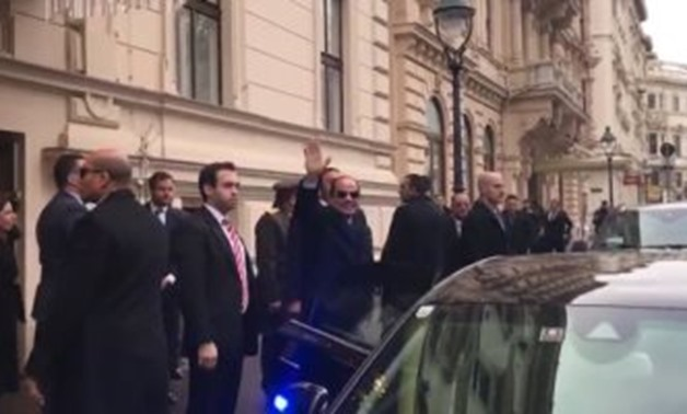 Sisi arriving at Hofburg presidential palace in Vienna on Monday morning - photocopy of YouTube