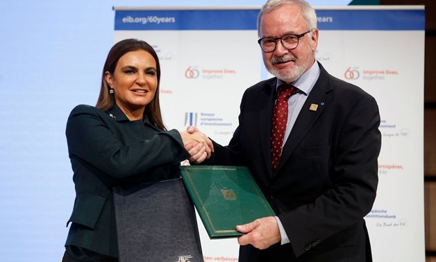 Egypt, EIB sign agreement to support metro's 1st line by €350M