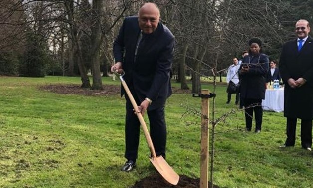 "Sameh Shoukri was spotted planting a tree in the ""Grove of Nations"" at Farmleigh Estate – Press Photo"