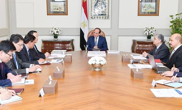 President Sisi meets GEIDCO chairman Liu Zhenya – Press photo