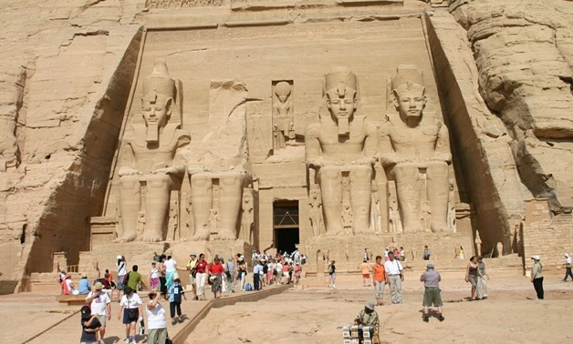 Tourists at the temple of Abu Simbel - Wikimedia Commons