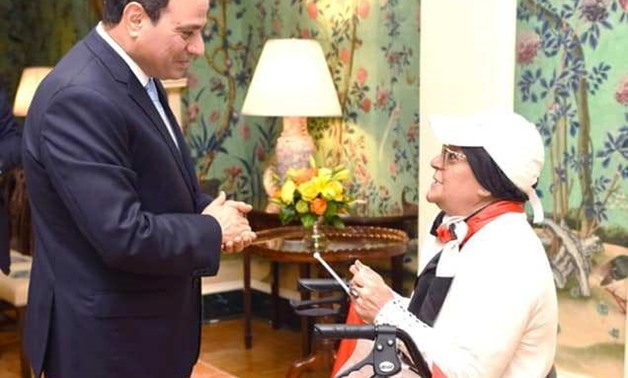 President meets Egyptian 'ideal mother' in U.S. upon her request - Press photo