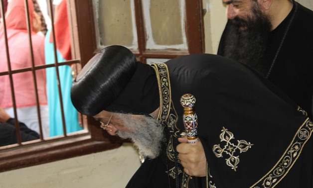 Pope Tawadros casts ballot in constitutional amendments referendum