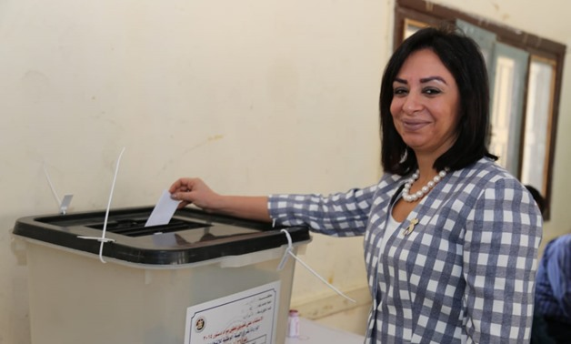 NCW head Maya Morsi casts her vote in constitutional referendum – Press photo