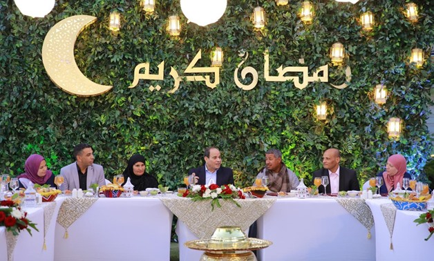 President Abdel Fattah El Sisi is having Iftar on Sunday, May 19, with citizens - press photo