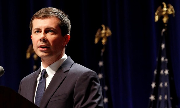 FILE PHOTO: U.S. Democratic presidential candidate Mayor Pete Buttigieg delivers remarks on foreign policy and national security, in Bloomington, Indiana, U.S., June 11, 2019. REUTERS/John Sommers II