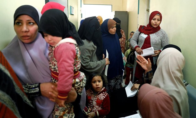 A family planning adviser speaks with Egyptian mothers at a new clinic in the province of Fayoum, southwest of Cairo, Egypt February 19, 2019. Picture taken February 19, 2019. REUTERS/Hayam Adel