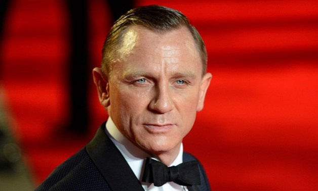 "FILE PHOTO: Actor Daniel Craig arrives for the royal world premiere of the new 007 film ""Skyfall"" at the Royal Albert Hall in London October 23, 2012. REUTERS/Paul Hackett/File Photo"