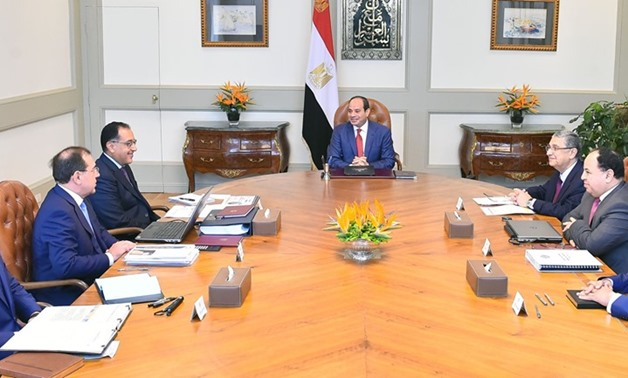 President Sisi meets with Prime Minister Mostafa Madbouli, Electricity Minister Mohamed Shaker, Petroleum Minister Tarek al-Molla, and Finance Minister Mohamed Mai'it – Press photo