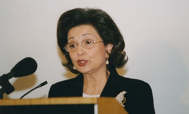 Suzanne Mubarak ,Former First Lady of the Arab Republic of Egypt giving a lecture at LSe 'Egyptian Women: major steps on the road to development' 7 May 2003- CC via Flickr/ LSE Library.