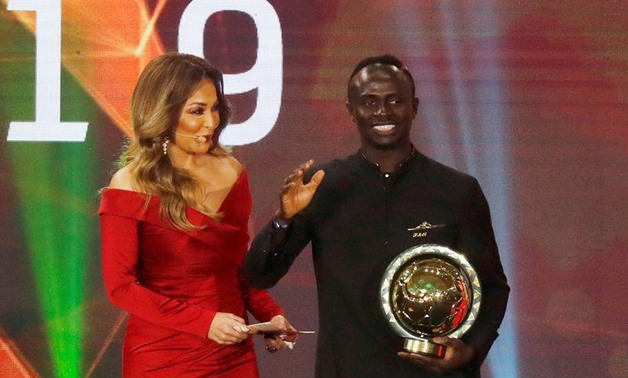 Senegal's Sadio Mane receives the African footballer of the year award. REUTERS/Amr Abdallah Dalsh
