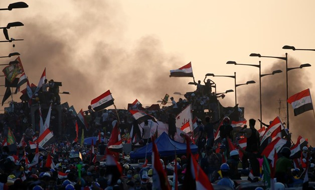 Iraqi demonstrators attend an anti-government protest in Baghdad, Iraq October 31, 2019. REUTERS/Thaier Al-Sudani