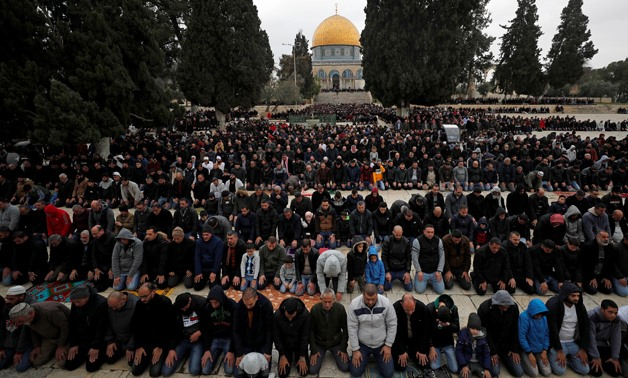 Worshippers pray during Friday prayers on the compound known to Muslims as Noble Sanctuary and to Jews as Temple Mount in Jerusalem's Old City,January 17, 2020. REUTERS/Ammar Awad