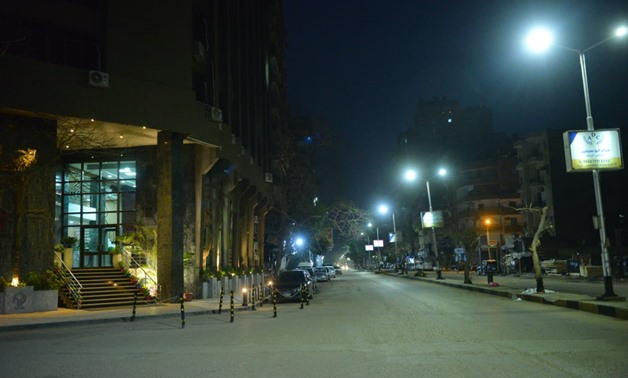 Streets of the capital void of citizens after 7 p.m. - Egypt Today