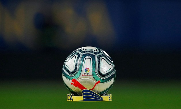 FILE PHOTO: Soccer Football - La Liga Santander - VIllarreal v Atletico Madrid - Estadio de la Ceramica, Villarreal, Spain - December 6, 2019 General view of the match ball before the match REUTERS/Albert Gea/File Photo