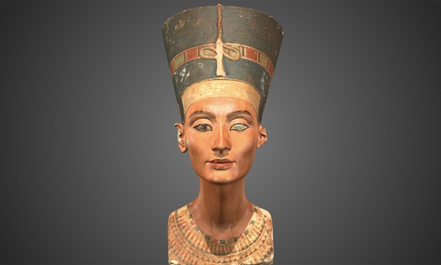 Queen Nefertiti - Social media/Twitter