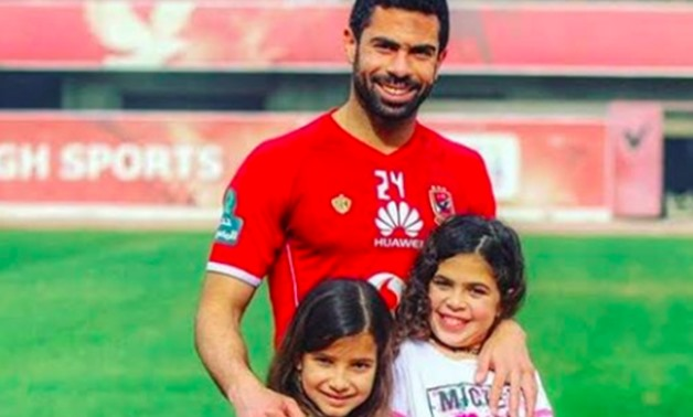 Ahmed Fathy with his two daughters - Photo via Ahly SC Facebook page
