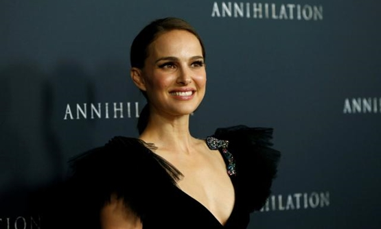 "FILE PHOTO: Cast member Natalie Portman poses at the premiere for ""Annihilation"" in Los Angeles, California, U.S., February 13, 2018. REUTERS/Mario Anzuoni/File Photo."