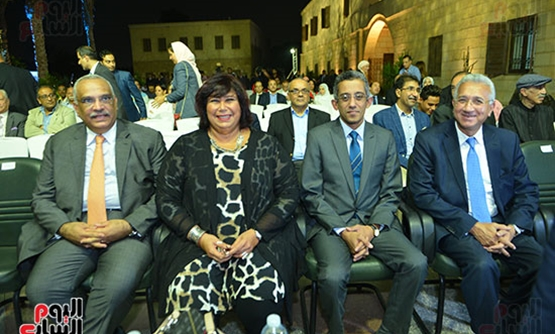 Min. of Culture Enas Abdel Dayem with some attendees – Egypt Today.