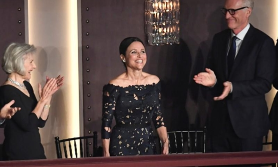 Comedian and actor Julia Louis-Dreyfus acknowledges applause as she arrives to be awarded the Kennedy Center's 21st annual Mark Twain Prize for American Humor, in Washington, U.S., October 21, 2018. REUTERS/Mike Theiler