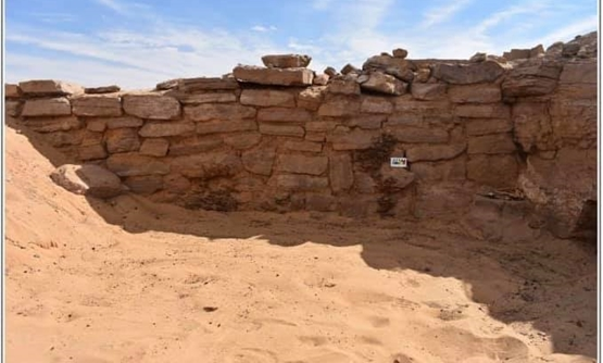 The English Archaeological Mission of the University of Birmingham working on Hawa Dome project in Aswan succeeded in uncovering six tombs of different sizes dating back to the Old Kingdom - Ministry of Antiquities Official Facebook Page.