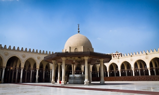 FILE: The Mosque of Amr ibn al-As, originally built in 641–642 AD