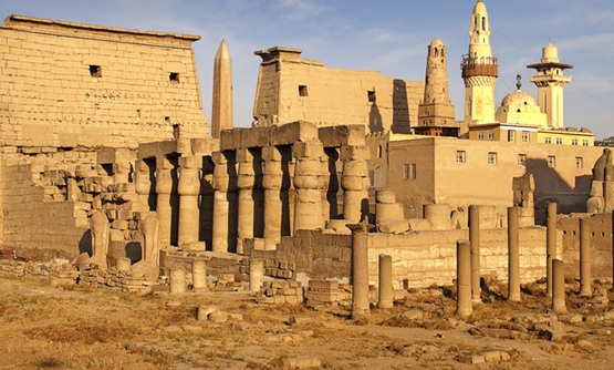 Breathtaking Luxor Temple in Luxor's West Bank - Wikipedia