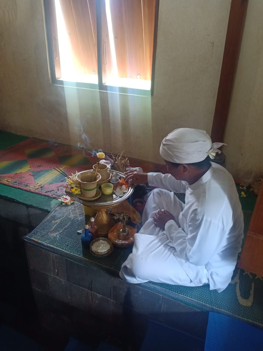 The Hindu care taker of the Narmada Temple Source Egypt Today