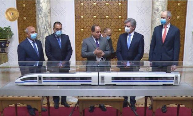 Egyptian president, Siemens CEO examine final agreement on High-Speed Train