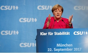 German Chancellor Angela Merkel, a top candidate of the Christian Democratic Union Party (CDU) for the upcoming general elections, speaks during the final election rally in Munich, Germany September 22, 2017. REUTERS/Michaela Rehle