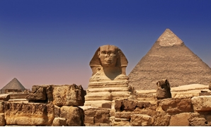 Giza Pyramids and Sphinx by Sam valadi / Flickr