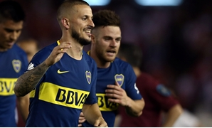 Soccer Football - River Plate v Boca Juniors - Argentine First Division - Antonio V. Liberti stadium, Buenos Aires, Argentina - November 5, 2017 - Boca Juniors' Dario Benedetto and NahitanNandez leave the field at the end of the match. REUTERS/Marcos Brin