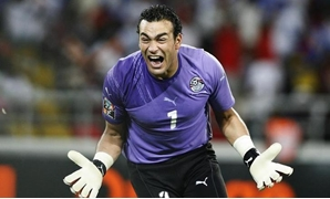 Egypt's goalie Essam El Hadary celebrates after his team scored during the Africa Cup of Nations final against Ghana in Luanda January 31, 2010 - REUTERS/Finbarr O'Reilly