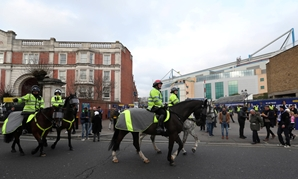 Soccer Football - Premier League - Chelsea vs Leicester City - Stamford Bridge, London, Britain - January 13, 2018 Police officers on horseback outside the stadium before the match Action Images via Reuters/Peter Cziborra