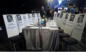 Preview of a table at the 24th annual Screen Actors Guild Awards; SAG nominations are the second major announcement in Tinseltown's glittering awards season, which climaxes with the Academy Awards in March