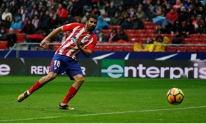 Soccer Football - La Liga Santander - Atletico Madrid vs Getafe - Wanda Metropolitano, Madrid, Spain - January 6, 2018 Atletico Madrid's Diego Costa scores their second goal. REUTERS/Javier Barbancho