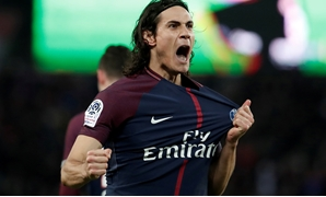 Soccer Football - Ligue 1 - Paris St Germain vs RC Strasbourg - Parc des Princes, Paris, France - February 17, 2018 Paris Saint-Germain's Edinson Cavani celebrates scoring their fourth goal REUTERS/Benoit Tessier TPX IMAGES OF THE DAY