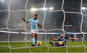 Soccer Football – Premier League – Manchester City vs. Tottenham Hotspur – Etihad Stadium, Manchester, Britain – December 16, 2017. Manchester City's Raheem Sterling scores their third goal – REUTERS/Phil Noble