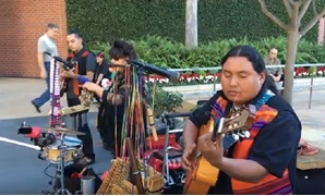 Screencap showcasing Latin folk Bolivian musicians, March 18, 2018 – YouTube/John Chen
