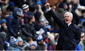 Soccer Football - FA Cup Quarter Final - Wigan Athletic vs Southampton - DW Stadium, Wigan, Britain - March 18, 2018 Southampton manager Mark Hughes - Reuters