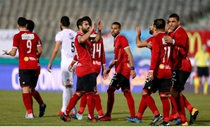 Soccer Football - Egyptian Premier League - Zamalek vs Al Ahly - Cairo International Stadium, Cairo, Egypt - January 8, 2018 Al Ahly players celebrate REUTERS/Amr Abdallah Dalsh