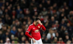 Soccer Football - Champions League Round of 16 Second Leg - Manchester United vs Sevilla - Old Trafford, Manchester, Britain - March 13, 2018 Manchester United's Alexis Sanchez looks dejected REUTERS/David Klein