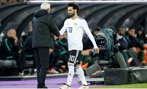 Soccer Football - International Friendly - Portugal vs Egypt - Letzigrund, Zurich, Switzerland - March 23, 2018 Egypt's Mohamed Salah shakes hands with coach Hector Cuper after he is substituted off REUTERS/Arnd Wiegmann