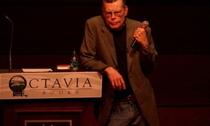 Stephen King in 2011, 12 November 2011 – Wikimedia Commons/Stephanie Lawton.